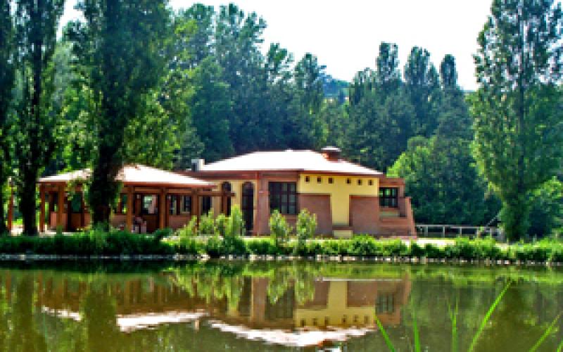 Castel San Pietro Terme: avviso pubblico concessione locali centro di ristoro laghetto Comunale Scardovi